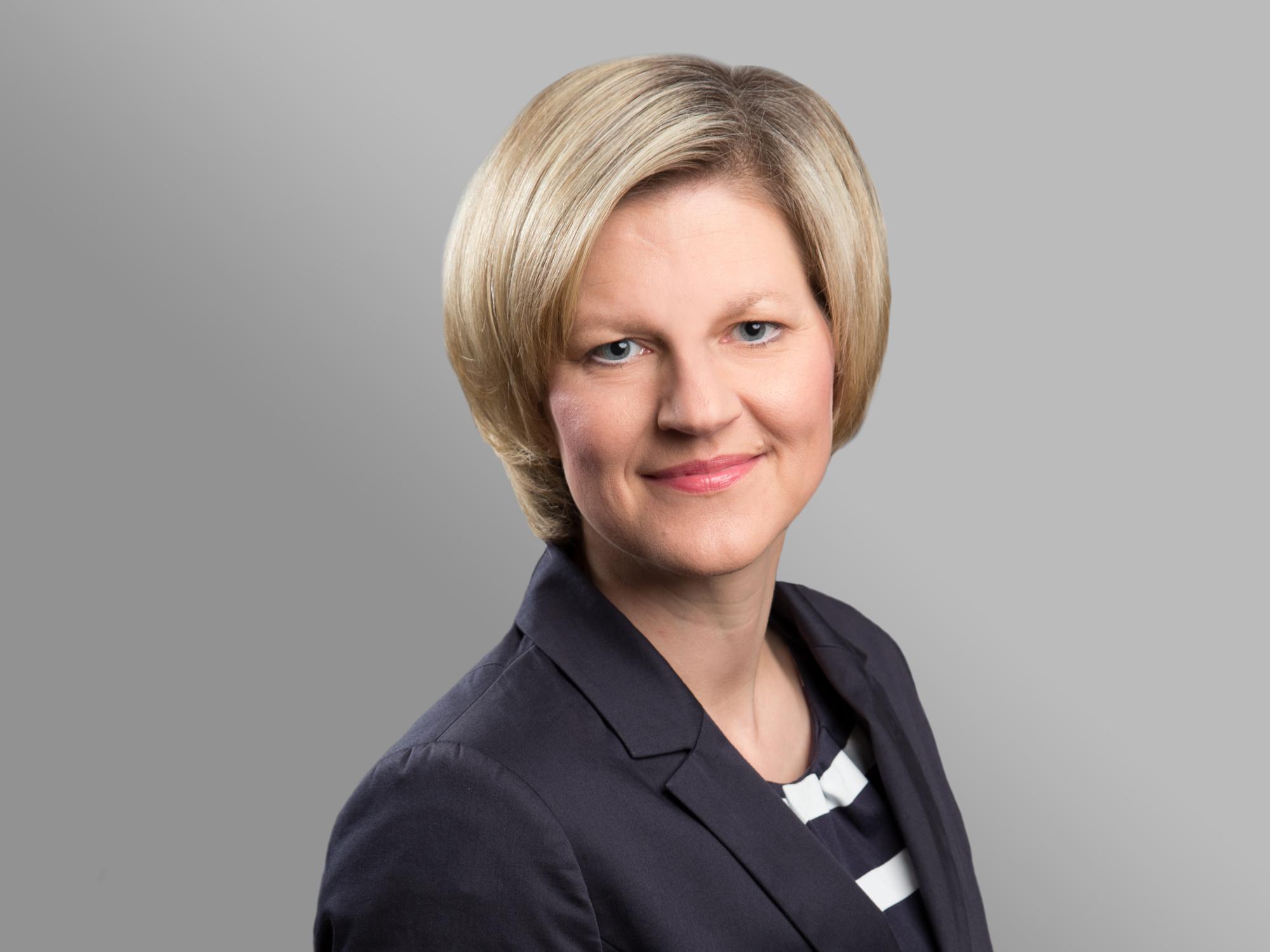 """<a href=""""http://rae-seichter.webseiten.cc/anwaelte/ann-kathrin-linnewedel/"""">Ann Kathrin Linnewedel, MBA</a>"""